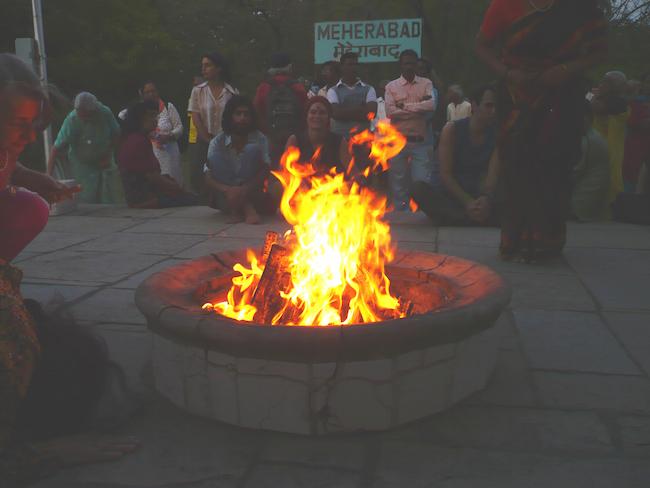 dhuni india fire10