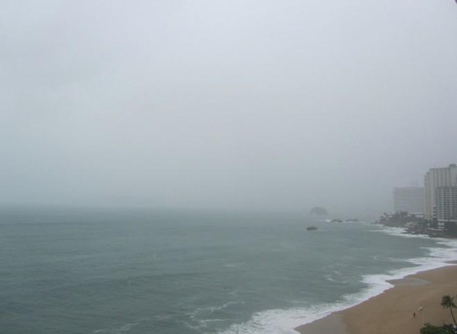 acapulco mexico beach24