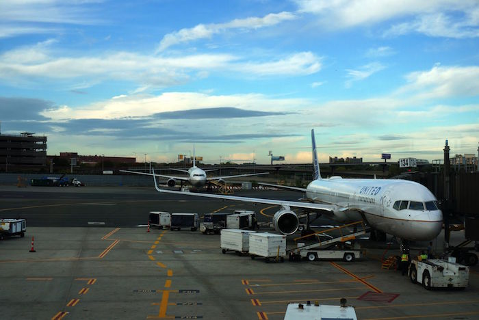 airplane airport