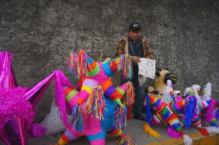 mexico city pinatas3