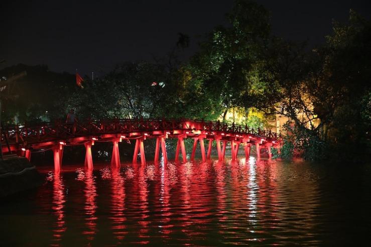 hanoi vietnam lake