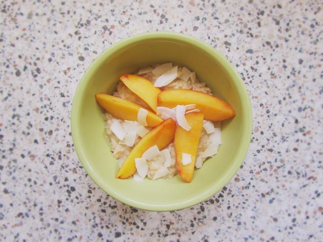 coconut nectarine oatmeal