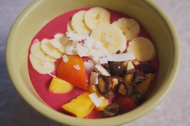 beet smoothie bowl11