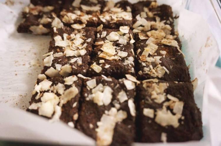 Flourless Date Coconut Brownies