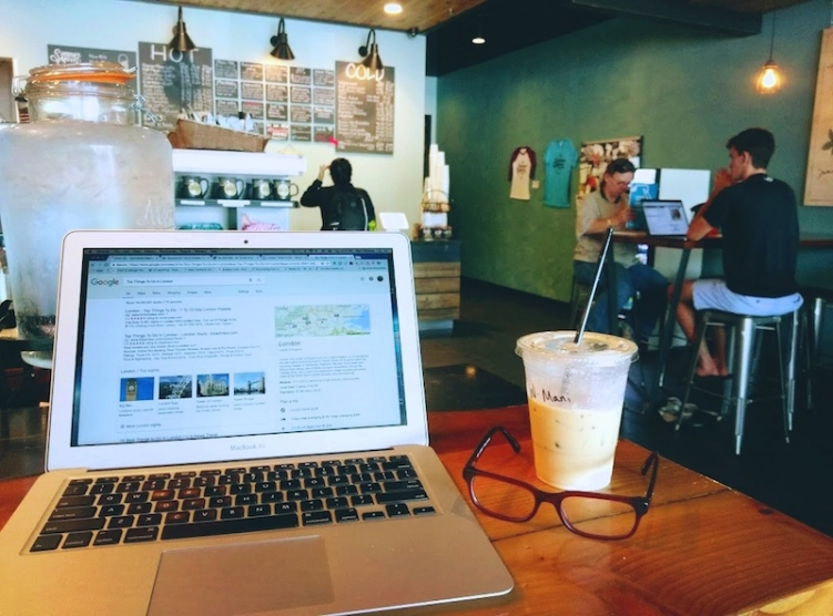 freelancing laptop coffee shop