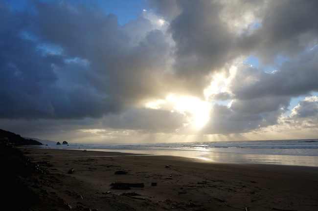 cannon beach oregon winter